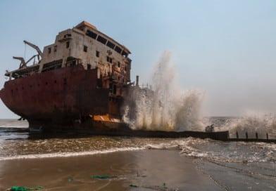 scheepskerkhof bij Luanda foto uit fotoalbum Angola op www.edvervanzijnbed.nl