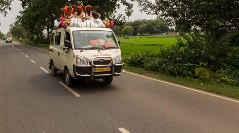 Autorijden in India foto van www.edvervanzijnbed.nl