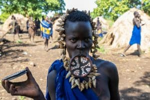 Mursi vrouw / Omo Nationaal Park / Ethiopië