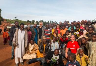 dorpelingen in Nigeria - foto uit het fotoalbum Nigeria van www.edvervanzijnbed.nl